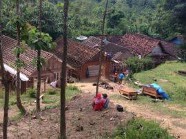 Tanah Retak di Wonocolo Bojonegoro